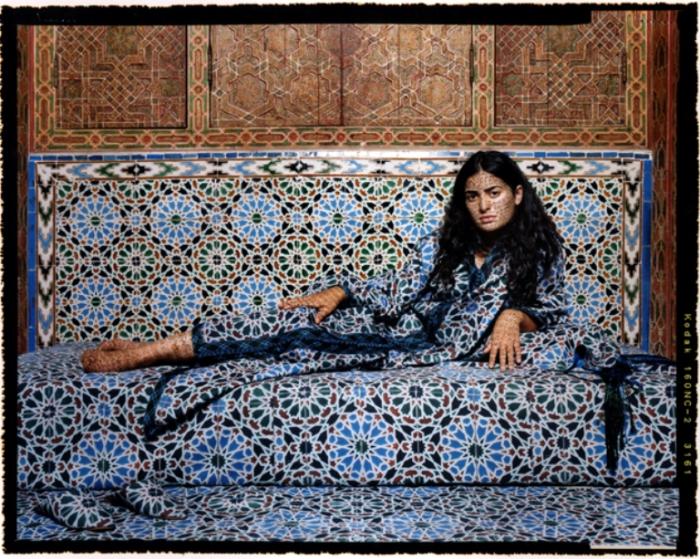 Восточная красавица. Автор работ: марокканская художница Лала Эссаиди (Lalla Essaydi).