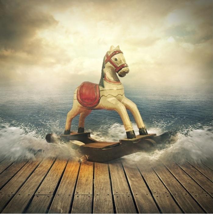 Деревянная лошадка. Автор: Even Liu.
