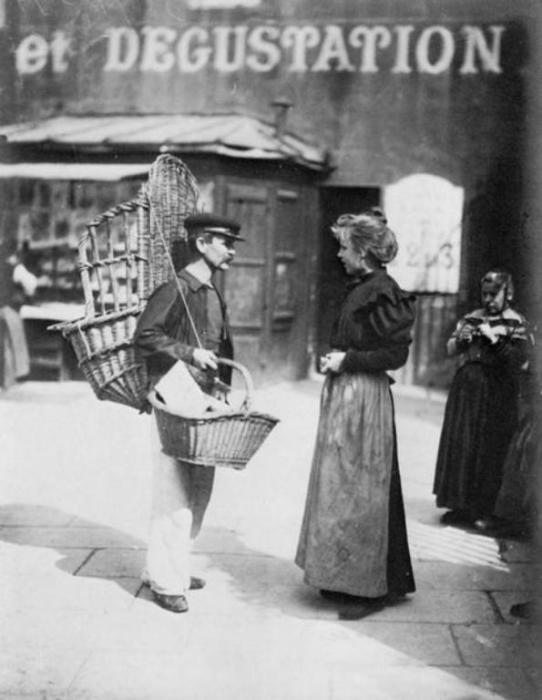Продавец хлеба.