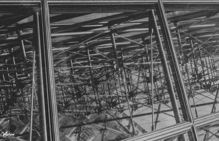Пирамиды Лувра. Автор: Aaron.