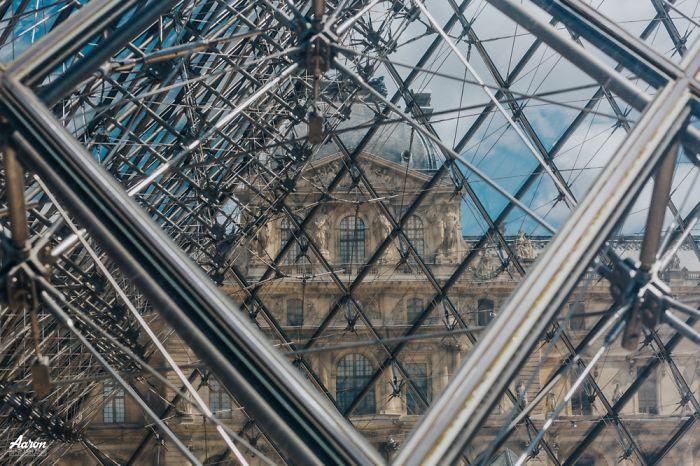 Фрагменты Лувра.  Автор: Aaron.