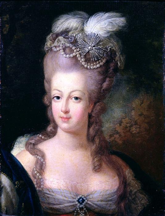 Она любила наряды цвета пюс. \ Фото: commons.wikimedia.org.