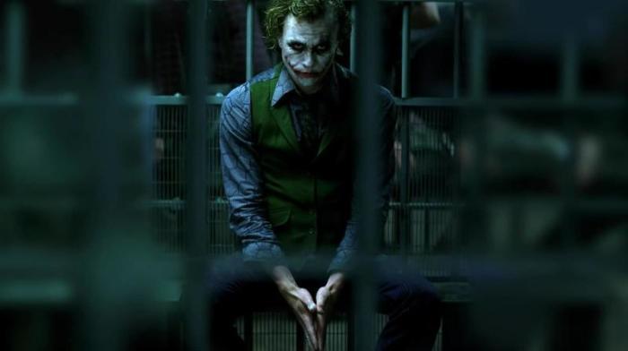 Хит Леджер в роли Джокера. \ Фото: ivi.ru.