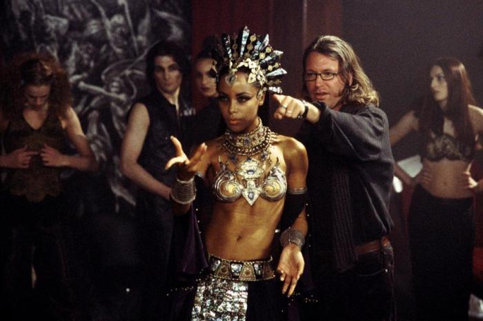 Кадр из фильма: Королева проклятых. \ Фото: lostfilm.info.