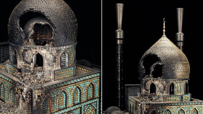 Два в одном: война и религия. Скульптуры из оружия и пуль. Автор: Al Farrow.