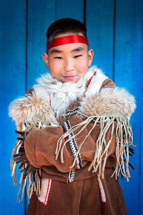 Хлопчик з народу тофалари, гори Саяни, Східний Сибір, Росія.  Автор: Олександр Хомишина.