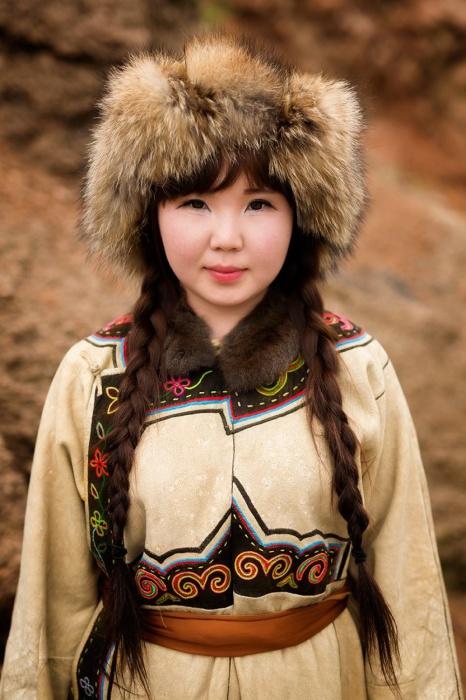 Девушка из народа Орочон,  Алихэ, Внутренняя Монголия, Китай. Автор: Александр Химушин.