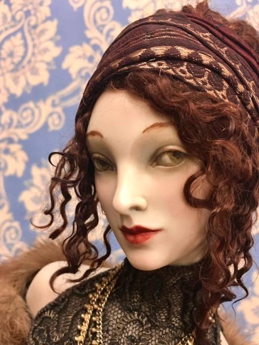 Куклы из фарфора ручной работы выполнены с исторической достоверностью и в высоком качестве.  Автор: Александра Кукинова.