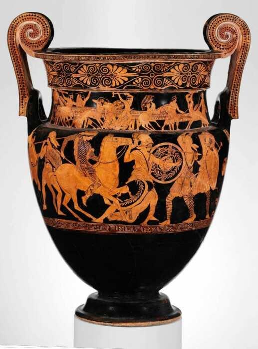 Сосуд, изображающий битву между амазонками и греками, приписываемую вазописцу шерстистых сатиров, около 450 г. до н. э. \ Фото: pinterest.fr.