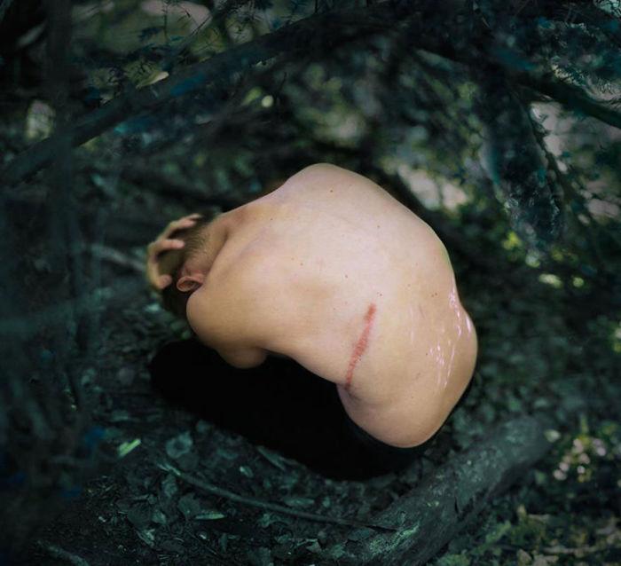 Нотки грусти, тоски отчаяния в работах Амели Бёртон (Amelie Berton).
