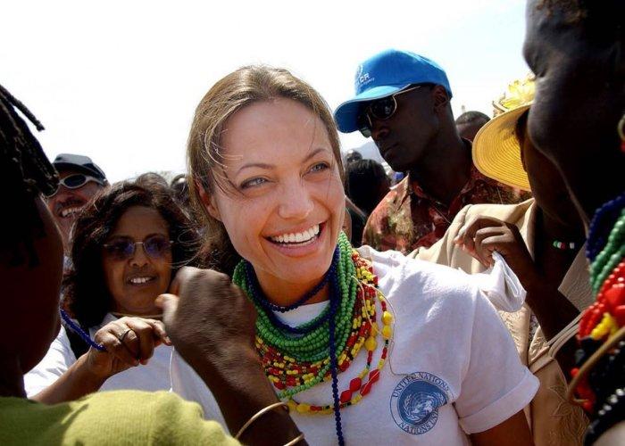 Неподражаемая Анджелина Джоли. \ Фото: tengrinews.kz.