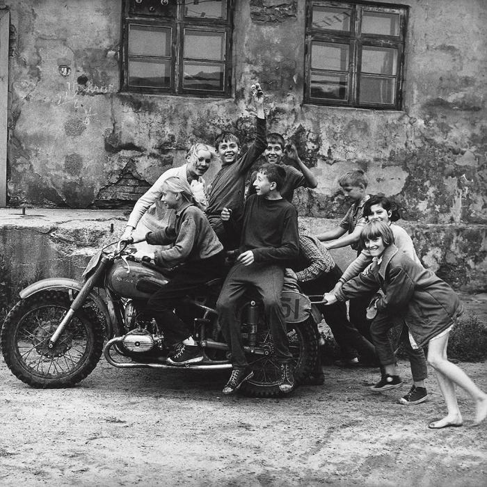 Первые байкеры, 1974 год. Автор: Antanas Sutkus.