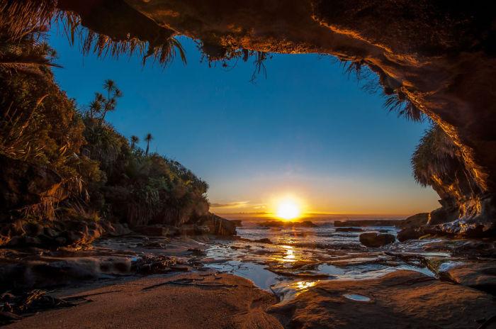 �������� ��������� �� ������ (West Coast Sunset). ����� ����: ������ �������� (Anthony Harrison).