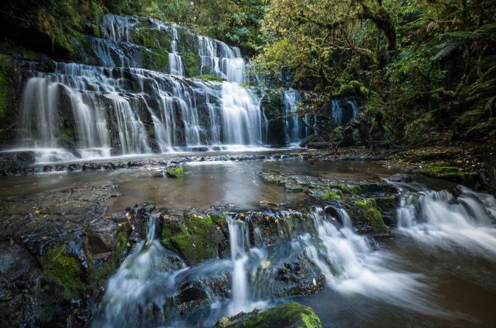Водопад Пуракануи  (Purakaunui Falls). Автор фото: Энтони Харрисон (Anthony Harrison).