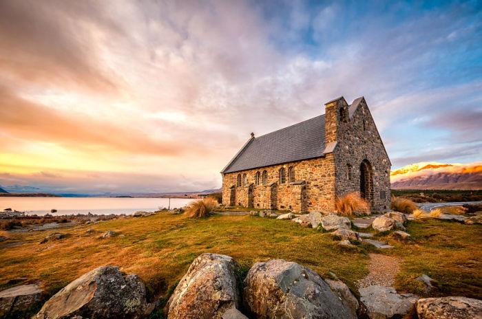 Церковь благородного Шепарда, Озеро Текапо (Church of the Good Shepard, Lake Tekapo). Автор фото: Энтони Харрисон (Anthony Harrison).