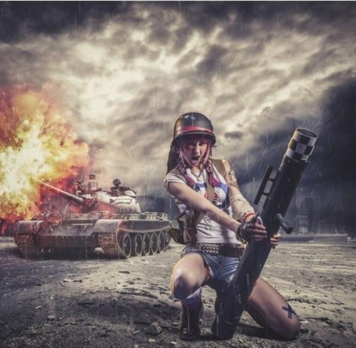 Tankgirl (Танкистка). Автор работы: фотохудожник Антти Карппинен (Antti Karppinen).