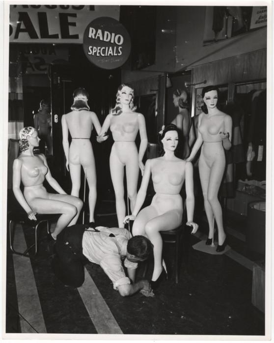 Манекены, 1942 год. Автор: Arthur Fellig (Weegee).