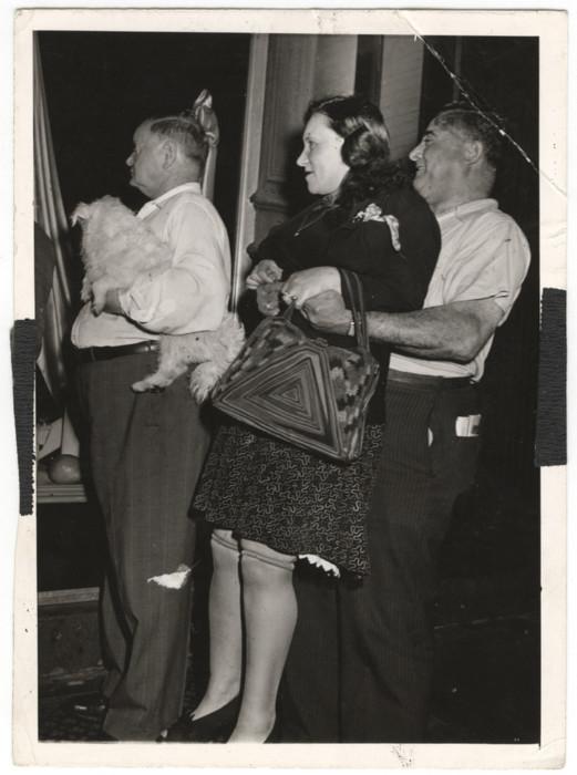Люди смотрят на убийство, 1941 год. Автор: Arthur Fellig (Weegee).