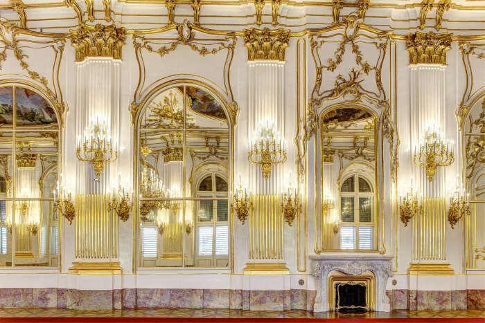 Зеркальная галерея, дворец Шёнбрунн в Вене. \ Фото: twitter.com.