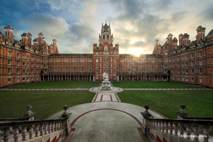 Роял Холлоуэй, Лондонский университет. \ Фото: thestudentroom.co.uk.
