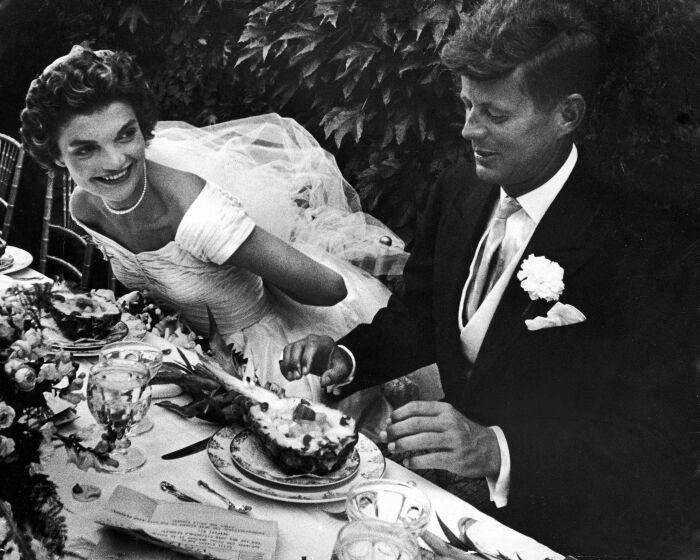 Свадебное застолье. \ Фото: townandcountrymag.com.
