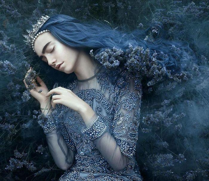 Синий туман. Автор: Bella Kotak.