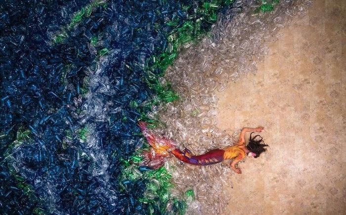 Русалки против пластика. Автор: Benjamin Von Wong.