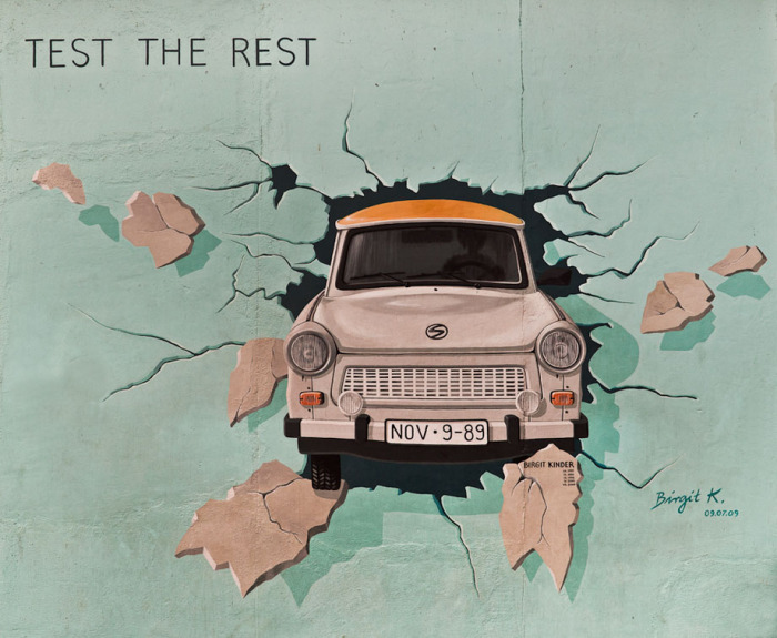 «Test the Rest» Биргит Киндер. \ Фото: lurkmore.to.