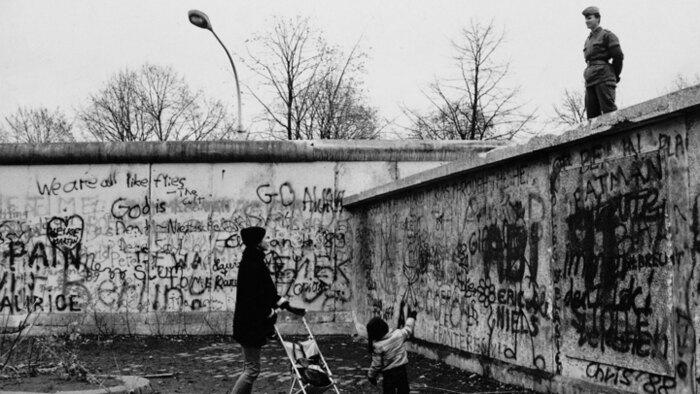 Западная Берлинская стена. \ Фото: accadevaoggi.it.