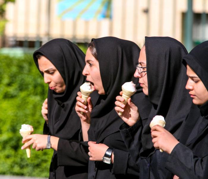 «Лица Ирана» - серия фотографий, полностью ломающая представления о приевшихся стереотипах. Автор фото: Бернард Руссо (Bernard Russo).