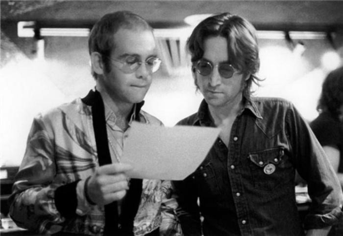 Элтон Джон (Elton John) и Джон Леннон (John Lennon), 1974 год. Автор фото: Bob Gruen.