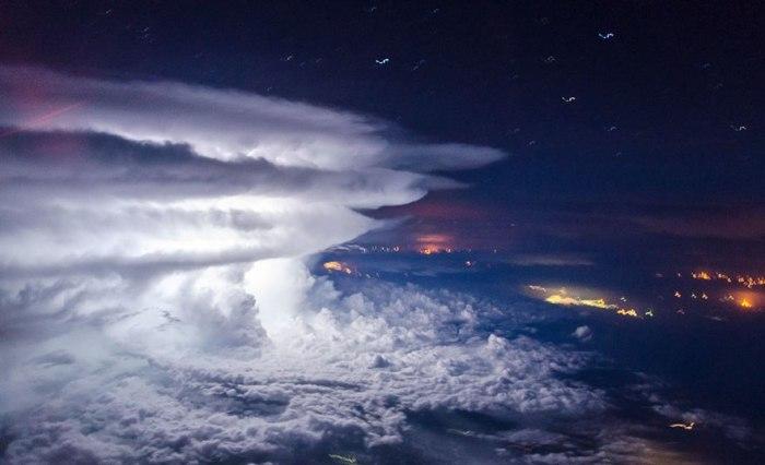 Шторм, побережье Венесуэлы, Южная Америка. Автор: Santiago Borja Lopez.