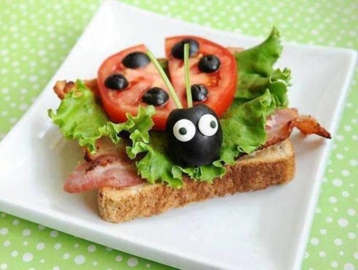Бутерброд божья коровка.