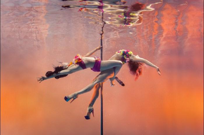 Подводный танец на пилоне. Автор фото: Брэтт Стэнли (Brett Stanley).