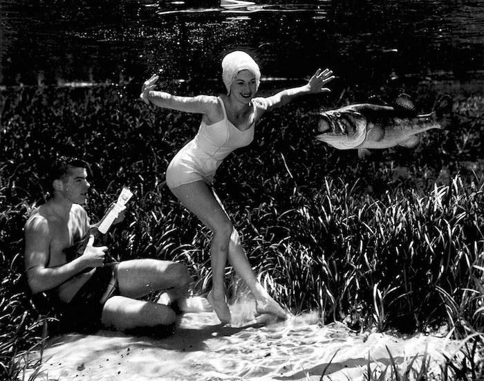 Танцы под водой.  Автор работ: Брюс Мозерт (Bruce Mozert).