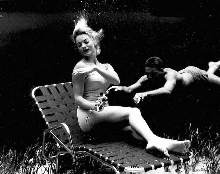 Отдых, в тёплых водах Майами.  Автор работ: Брюс Мозерт (Bruce Mozert).