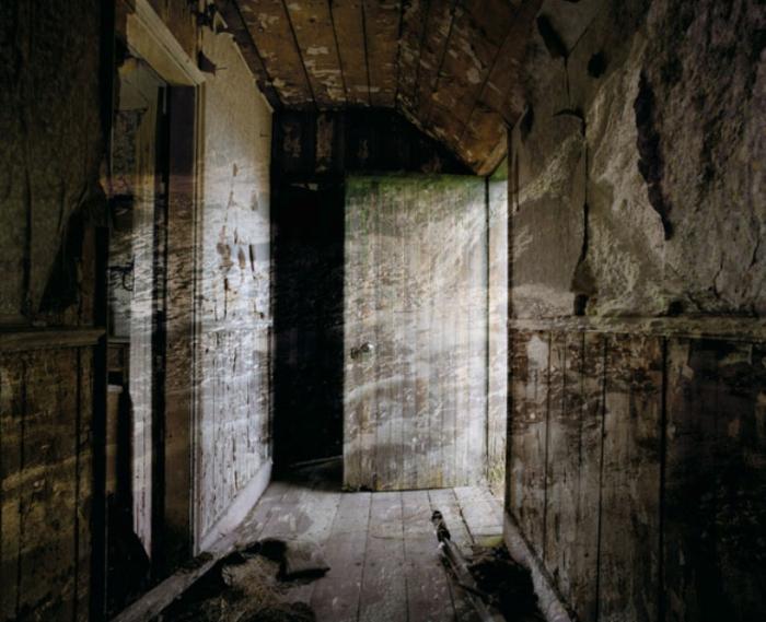 Царство. Сумрачная пещера (Realm III. Smoo Cave).  Автор работ: Каролин Лефлей (Carolyn Lefley).