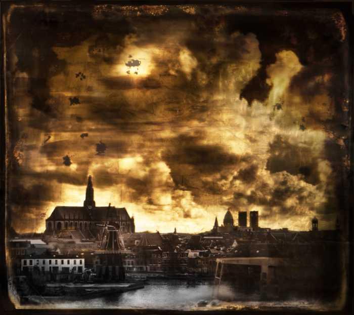 Огненные облака. Автор: Casper Faassen.
