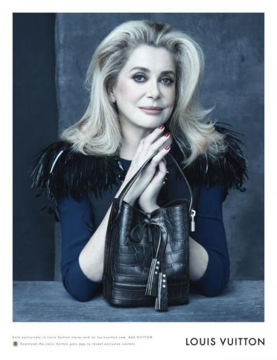 Катрин Денев (Catherine Deneuve). Возраст: 70 лет. Компания: Louis Vuitton.