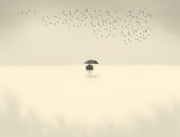 Вода. Блестящий фотопроект о таинственном одиноком человеке. Автор фото: Сезар Блэй (Cesar Blay).