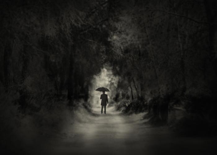 Далеко. Блестящий фотопроект о таинственном одиноком человеке. Автор фото: Сезар Блэй (Cesar Blay).