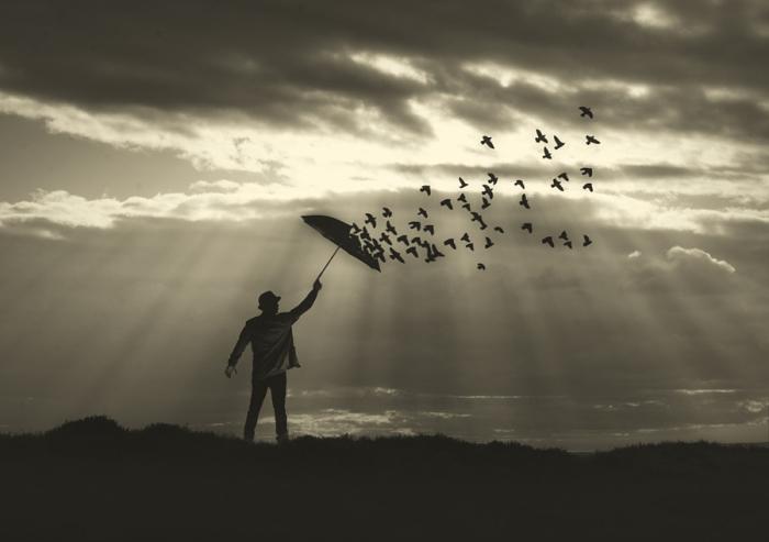 Полет. Блестящий фотопроект о таинственном одиноком человеке. Автор фото: Сезар Блэй (Cesar Blay).