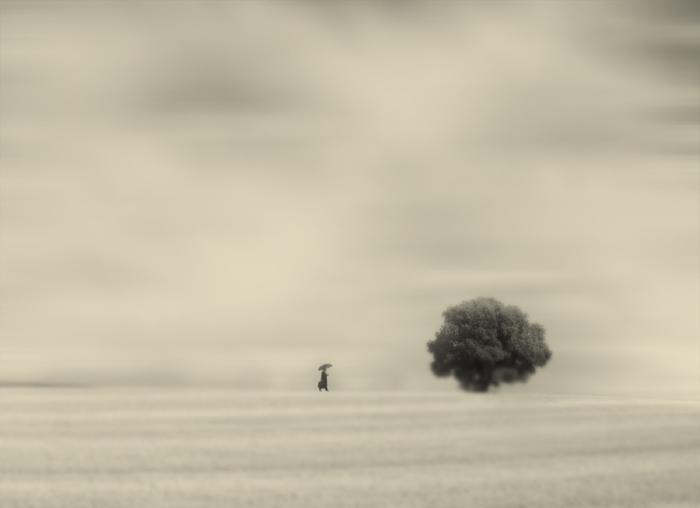 Медленно, но уверено. Блестящий фотопроект о таинственном одиноком человеке. Автор фото: Сезар Блэй (Cesar Blay).