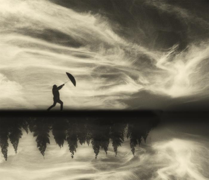 Буря. Блестящий фотопроект о таинственном одиноком человеке. Автор фото: Сезар Блэй (Cesar Blay).