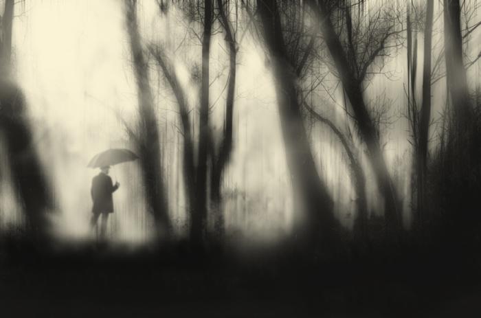 Опять проиграл. Блестящий фотопроект о таинственном одиноком человеке. Автор фото: Сезар Блэй (Cesar Blay).