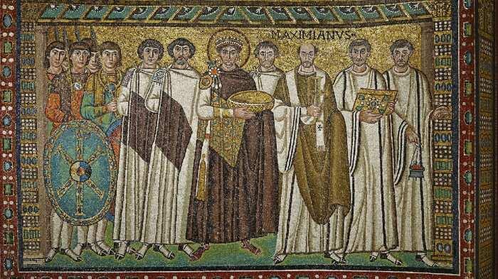 Мозаика с изображением императора Юстиниана и его свиты, 6 век н. э. \ Фото: pinterest.ru.