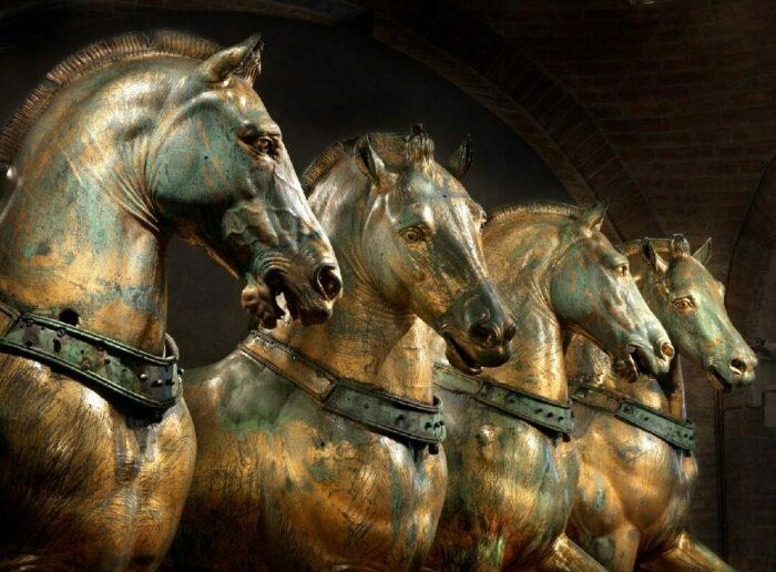 Лошади Святого Марка, также известные как Триумфальная квадрига, 2-й или 3-й век нашей эры. \ Фото: yandex.ua.