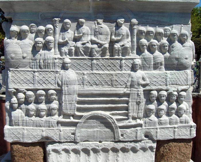 Обелиск Феодосия, 390 год н. э. \ Фото: wattpad.com.