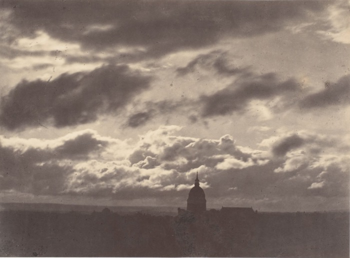 Облака над Парижем, 1856–57 гг.  Автор фото: Charles Marville.