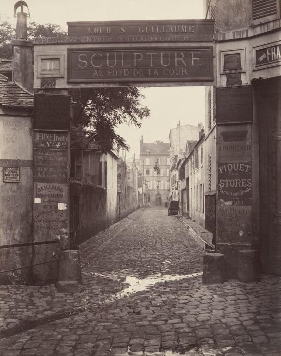 Дворик святого Вильгельма, 1866–67 гг. Автор фото: Charles Marville.